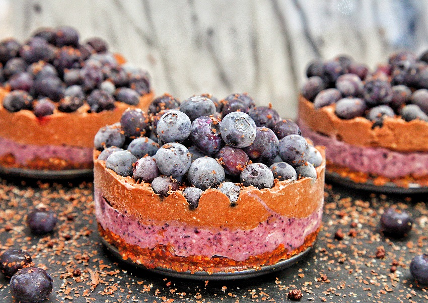vegan chocolate blueberry cakes